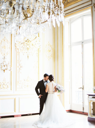 Bride and groom at Hôtel Le Marois in Paris, France