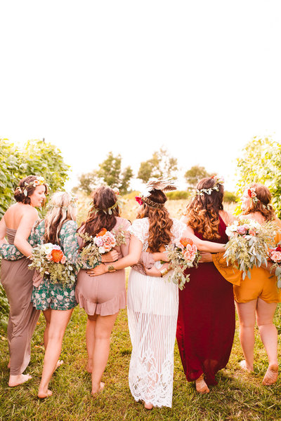 boho-bride-tribe-styled-shoot-will-you-be-my-bridesmaid-dinner-on-the-farm-25