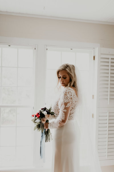 lace wedding dress sleeves