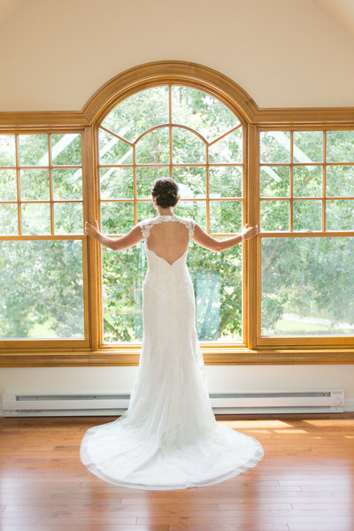 This is a photograph of a Midwest Bride in a  Green Bay Wisconsin  Wedding.