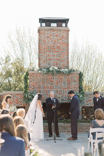 TiffaneyChildsPhotography-ChicagoWeddingPhotographer-Chloe+Jon-HinsdaleCountryClubWedding-Ceremony-93