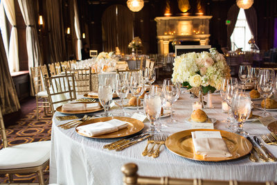 alice-che-photography-san-francisco-wedding-gold-plates-beautiful-details