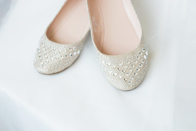 Bride shoes on her wedding day