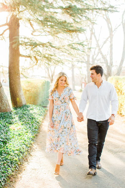 Sweet-Southern-Picnic-Engagement-Ramsay-Estate-5795