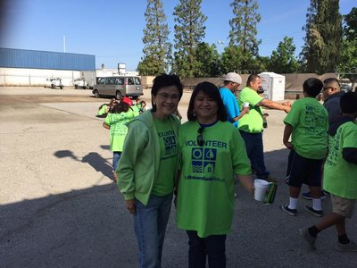 Community 14 - Volunteering with The Great American Clean Up in Bakersfield California