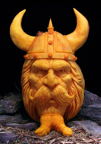 most-amazing-pumpkin-carving-ray-villafane-10