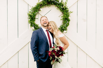 Alexa-Vossler-Photo_Dallas-Wedding-Photographer_Wedding-at-Morgan-Creek-Barn_Cathryn-Andrew_Couples-Portraits-39