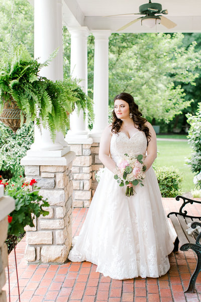 Wedding-Bluegrass-Estate-Bride-Portrait-Kentucky-Photo-By-Uniquely-His-Photography107
