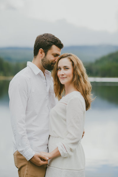 Lake Engagement Portraits in Trilium Lake by Susie Moreno Photography