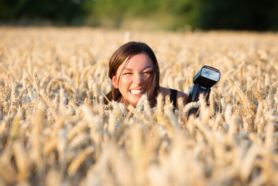 image-100-Nicci-in-a-cornfield-bumble-and-brown