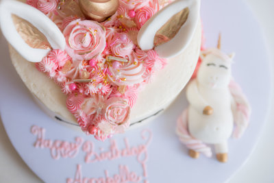 belles-first-birthday-unicorn-cake-lynnet-perez-photography-0004