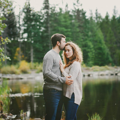 Oregon lake engagement photo