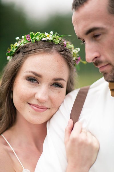Beautiful woodland wedding at Whonnock Lake in Maple Ridge, BC
