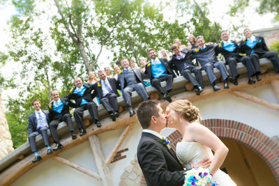 this is a photograph of a green bay wisconsin wedding at green bay botanical garden