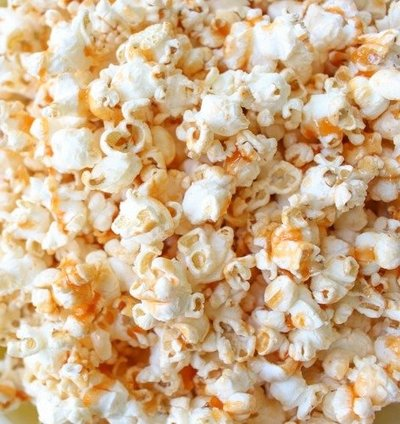 Sriracha-Honey-Caramel-Popcorn-7