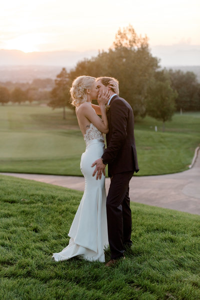 Denver wedding photographers ali garrett wedding photographers we are romantic wedding photographers for adventurous couples who believe in celebrating chaos and believe kisses must never be quick junglespirit Gallery