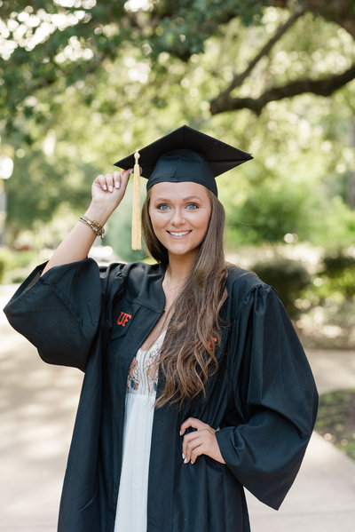 Amber Dorn Photography Grad Senior UF pictures