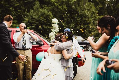 TheHousers-EagleRiver-BackyardWedding-©LaurenRoberts2016-34l