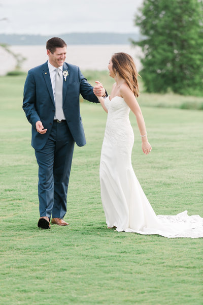 Two Rivers Wedding by Virginia Wedding Photographer Elizabeth Friske Photography-68