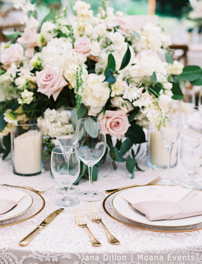 WM Ivory lace linen gold chargers moana events 5