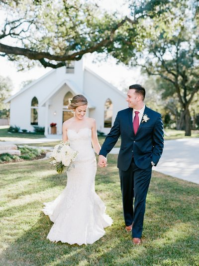 Gruene_Winter_Navy_Burguny_Film_Wedding_New_Braunfels_0057