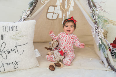 yvette-barraza-christmas-boho-mini-session-dallas-family-photographer-lynnet-perez-0016