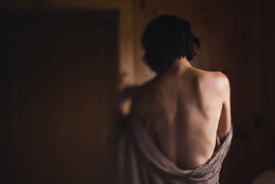 alice-che-photography-boudoir-back