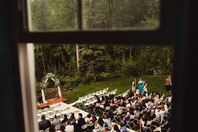 TheHousers-EagleRiver-BackyardWedding-©LaurenRoberts2016-15l