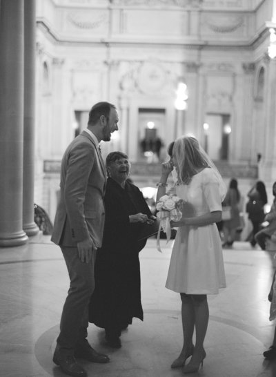 51-000035040012-san-francisco-city-hall-wedding-michaela-joy-photography