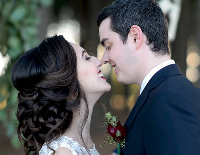 elopement kiss 1