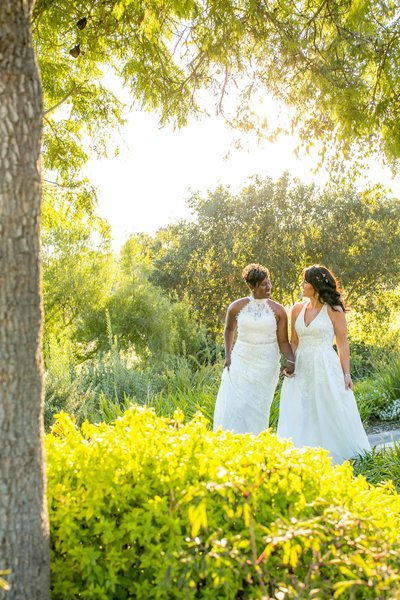 Renoda Campbell Photography_LGBTQ Wedding_Intimate Garden wedding-7158