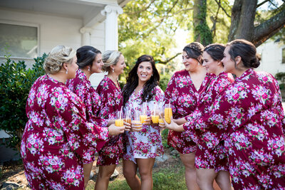 bridesmaids-toast-wedding-day