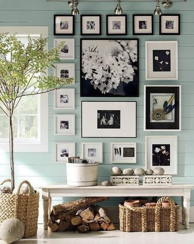 wall decor collage_interior design_paint colors_living room_inspire_frames