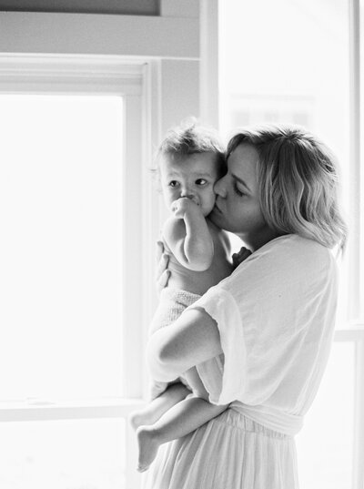Motherhood-photography-session-fount-melanie-gabrielle-24