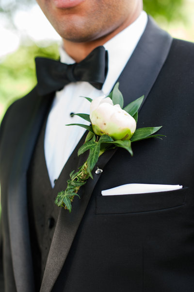 Baltimore Maryland wedding photographer groom boutonniere peony