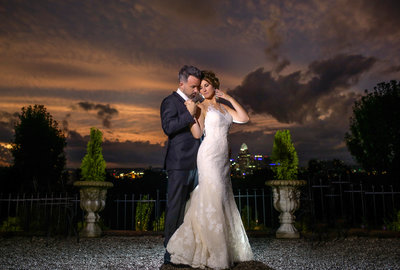 Sherri Barber is a Cincinnati Wedding Photographer who specializes in timeless, elegant, and authentic wedding photography in Ohio, Kentucky, and world wide