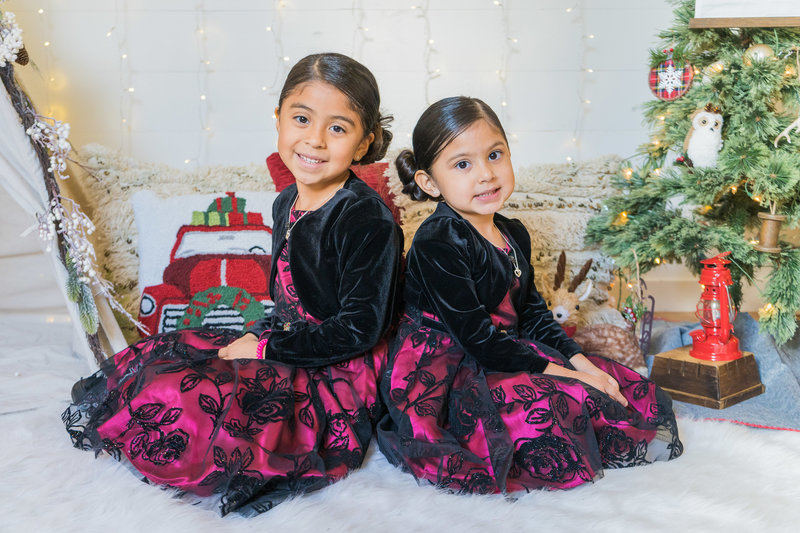 saucedo_christmas_boho_mini_session_dallas_family_photographer_lynnet_perez_0008