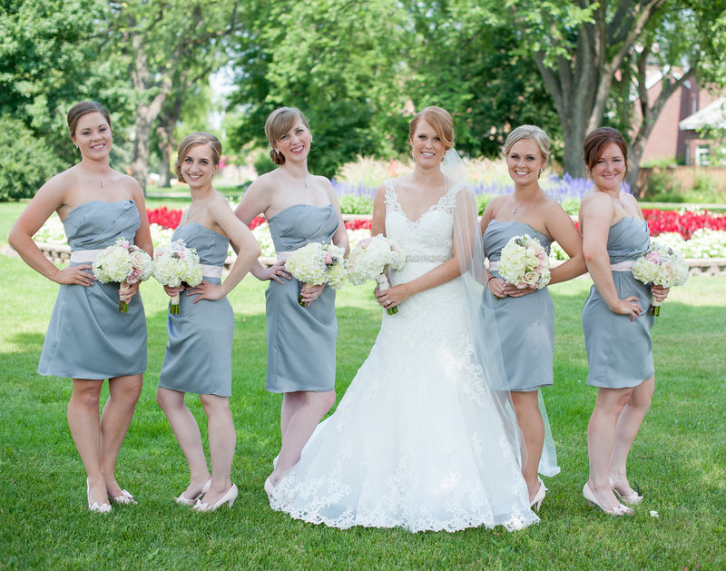 NDSU gardens make a great backdrop for the bridesmaids at this fargo wedding. www.kriskandel.com photographer.
