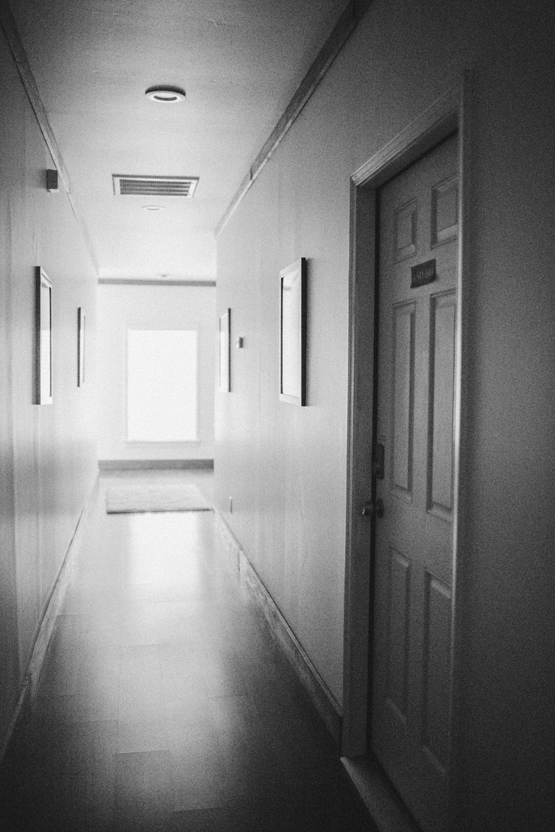 hallway space of  chesapeake va photography studio