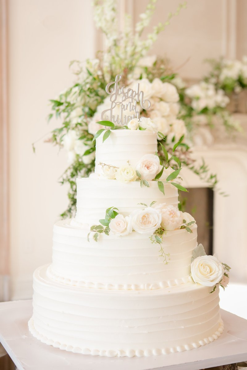 Park Chateau wedding cake