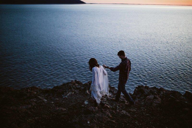 AiliChase-AlaskaEngagementPhotographer-LaurenRobertsPhotographer-60