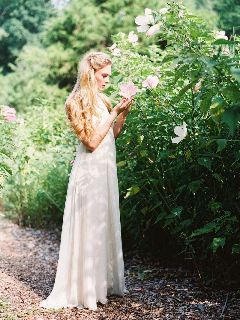 Magnolia Rouge_European Garden-European Garden-0095