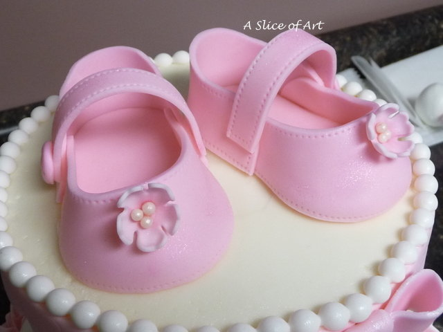 fondant baby shoes shower cake