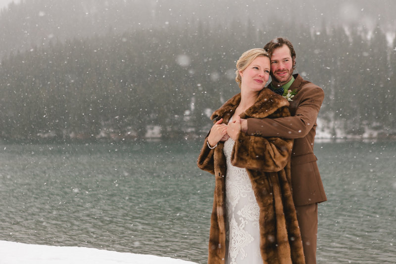 banff_winter_saskatchewan_canada_wedding_photographer_004