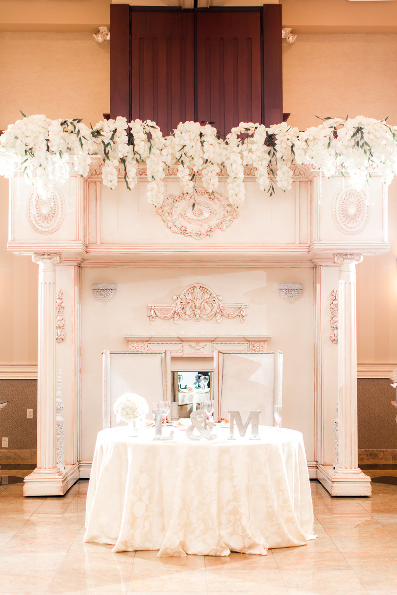 Sweetheart table at South Gate Manor