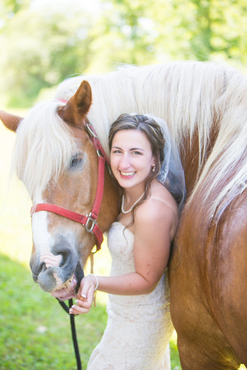 59 wedding photography Bride Portrait with Horse