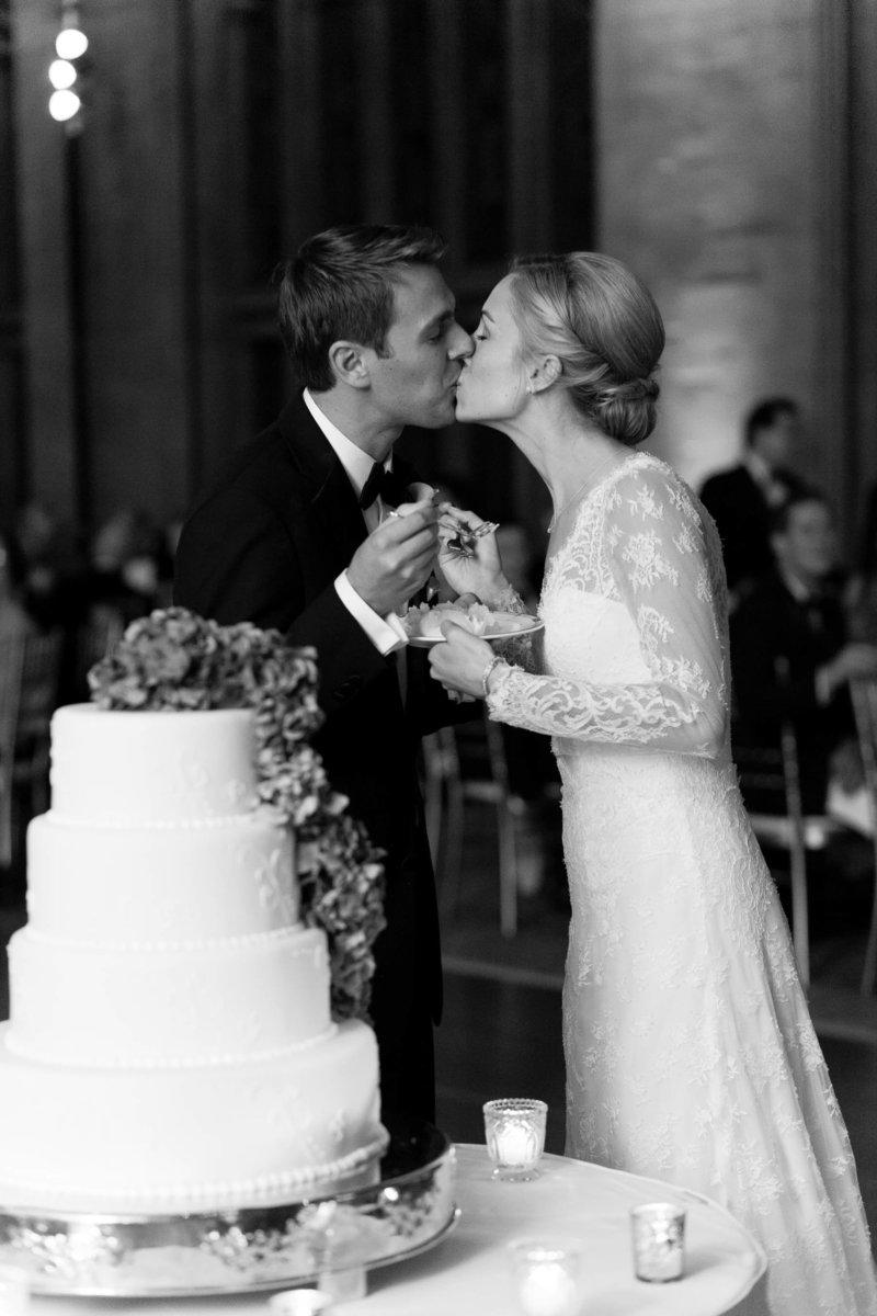 WeddingV_University Club of Chicago wedding photos-23