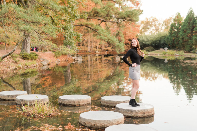 Richmond senior portrait photography casual fall maymont park girl-10