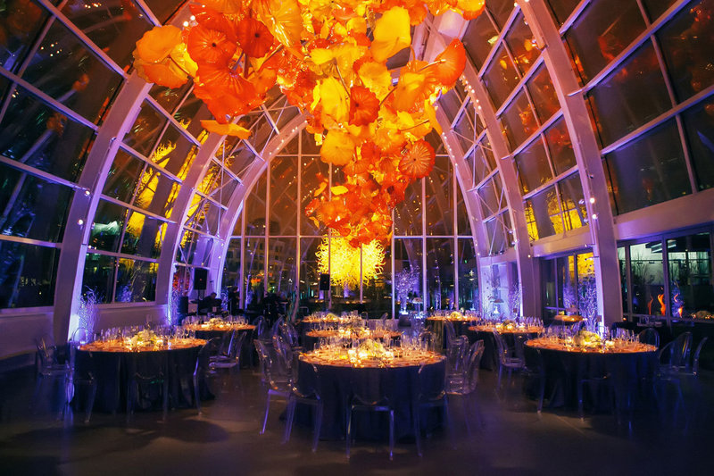wedding-at-the-chihuly-garden-glass-house-seattle