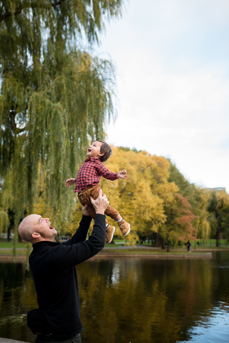 Boston-Family-Photographer-Bella-Wang-Photography-Boston-Public-Garden-9